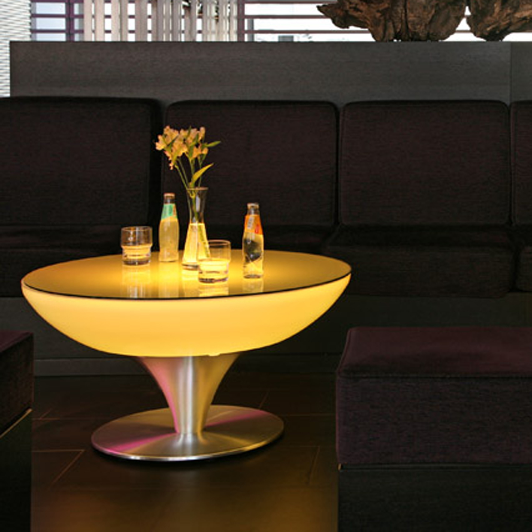 Lounge leucht tisch 45 55 75 105 led pro accu for Lounge tisch